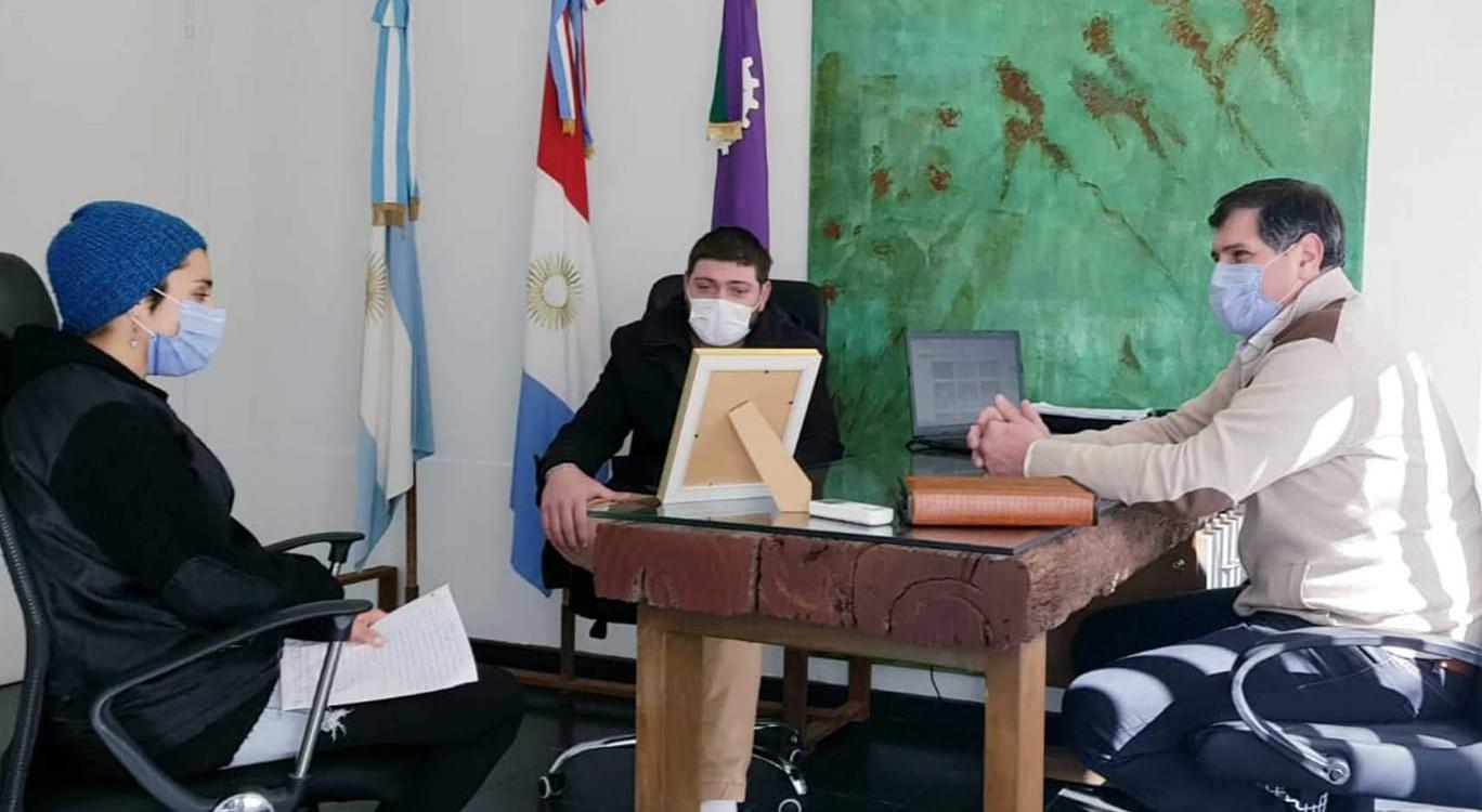 En este momento estás viendo El intendente Méndez recibió a una representante de la colectividad Sorora.